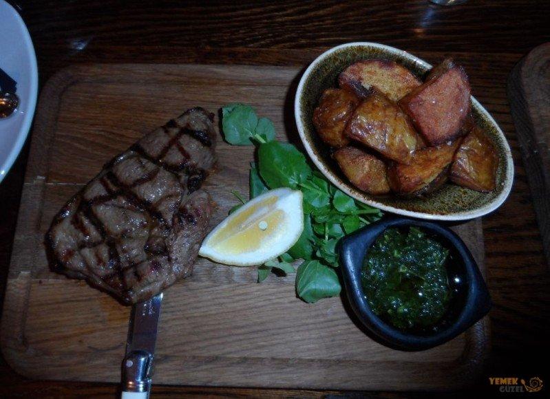 Kuzu Steak; Avustralya - Yeni Zelanda Yemekleri