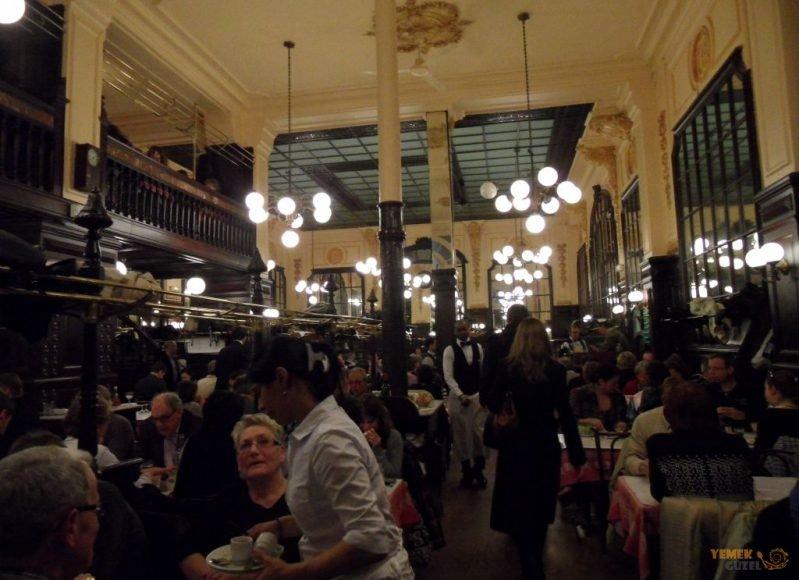 Bouillon Chartier, Pariste Yeme İçme