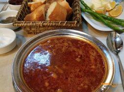 İzmir'de Beyran Fıstıklı'da içilir