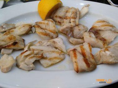 Zahmetsiz, Tabaklar Balık Lokantası