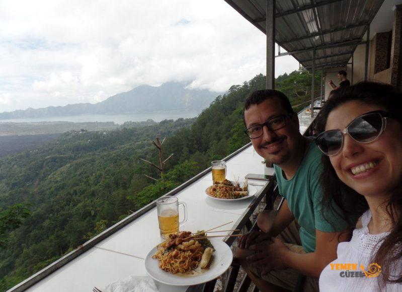 Endonezya Mutfağı, turistik restoranda