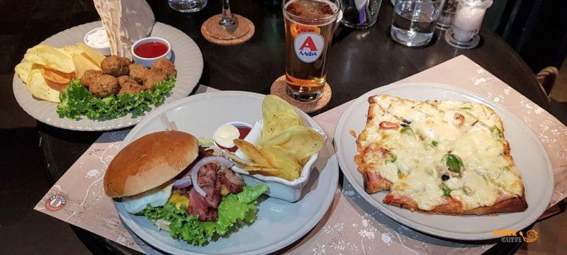 Xenon Cafe – Nafplio'da Harika Cafe Bar