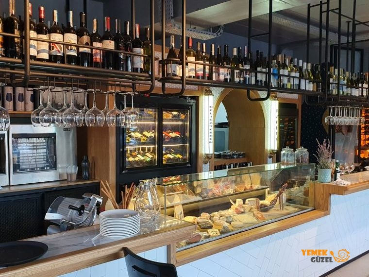 İzmir'de Şarap Nerede İçilir, Kuntra Wine Bar